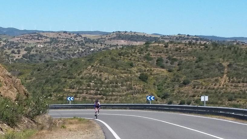 Ik fiets de heuvel op