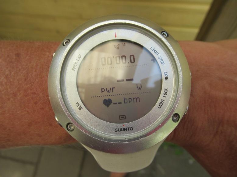 Horloge met 'pwr' in beeld
