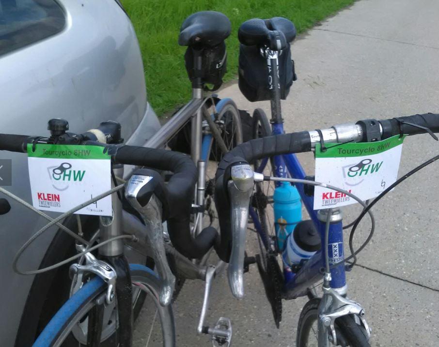 Onze fietsen met 8HW-stuurbordjes