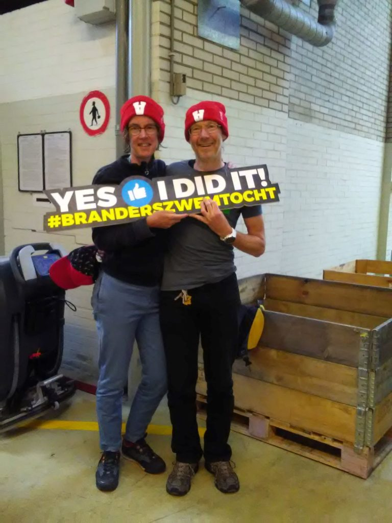 Wij achter 'yes i did it' bordje